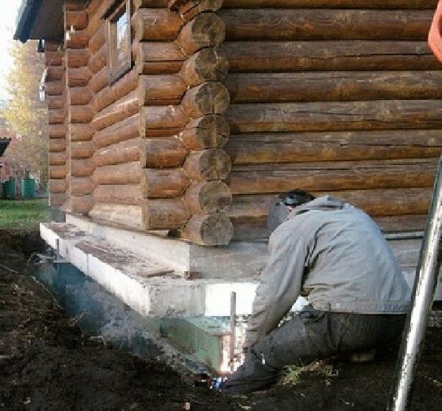 Ahşap, tuğla, betondan yapılmış bir kuyu tamiri